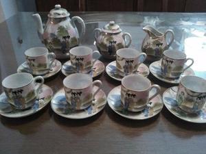 JUEGO DE 8 TAZAS DE CAFÉ. FINA PORCELANA JAPONESA DECORADA