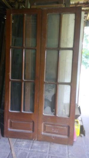 Puertas y ventanas antiguas. Cedro y pinotea