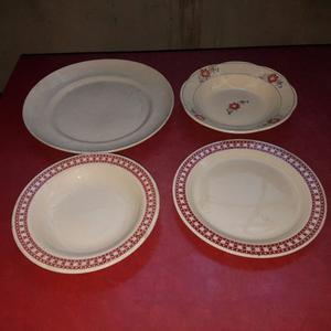 Set 4 platos playos con flores linea melamina posot class for Set de platos