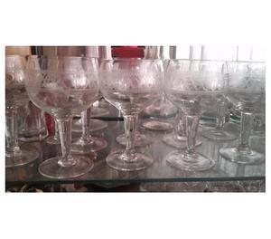 Copas de vino antiguas, talladas Juego x 9