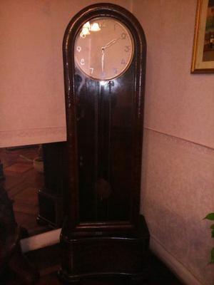 Reloj De Péndulo Antiguo De Pie
