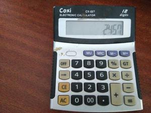 Vendo calculadora. 12 digitos. usada en buen estado