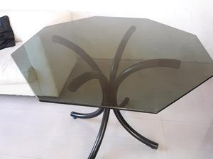Mesa de vidrio fume con base