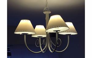 araña de 4 luces en hierro forjado (color blanco)
