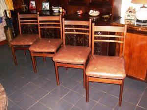 Juego de 4 sillas de comedor de cedro