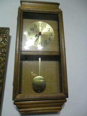 Reloj de pared a pila posot class for Reloj de pared con pendulo
