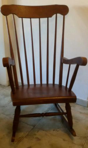 Sillón silla mecedora windsor antigua