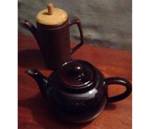 Vendo tetera y cafetera de cerámica marrón oscuro