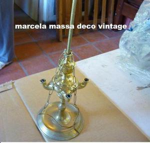 candil de bronce antiguo o lámpara de aceite o parafina