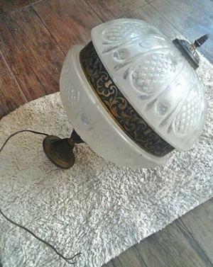 lampara antigua y lampara plato