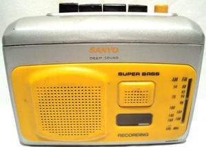 Walkman Radiograbador Periodista Sanyo Parlante Radio Am Fm