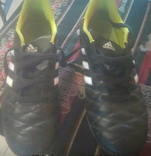Botines de papi fútbol Adidas