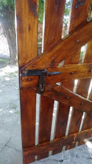 Vendo 2 portones de hierro madera y necochea posot class for Puertas y portones de madera