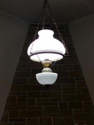 Lámpara antigua colgante