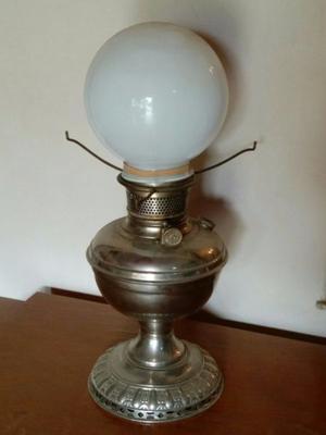 Lámpara antigua de kerosene