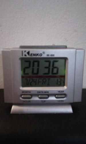 Reloj Despertador Kenko Con Luz, Temperatura Y Fecha