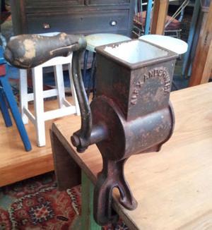 rallador de hierro y chapa enlozada