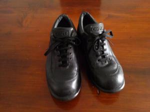 zapatillas de cuero Camper, negras muy buenas nº.-