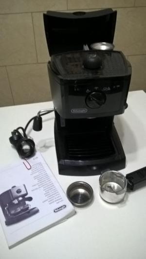 Cafetera Expresso Capuccino De Longhi. CASI SIN USO. En