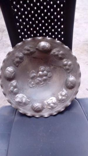 Fuente para centro de mesa o adorno colgante