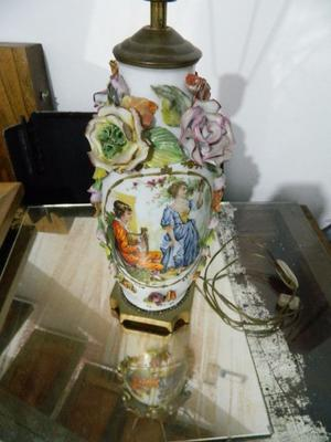 LAMPARA FLORAL PORCELANA
