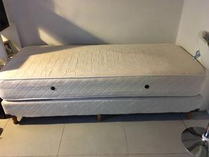 Se vende cama de una plaza con poco tiempo de uso