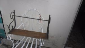 vendo estante de madera y hierro
