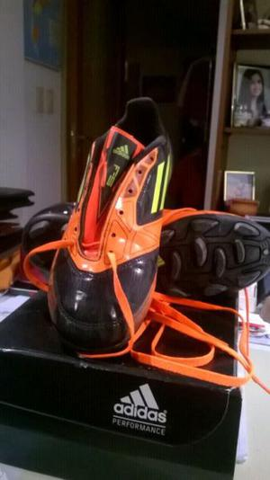 Botines Adidas. T36