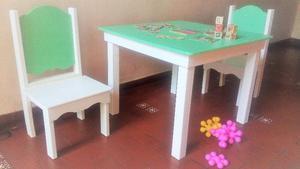 Mesa con 2 sillas infantiles