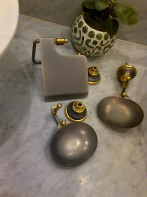 Accesorios ba o jabonera pared marmol bronce posot class for Accesorios bano bronce