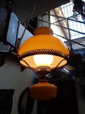 Antigua lámpara colgante Quinque de bronce. Antigua Saudade
