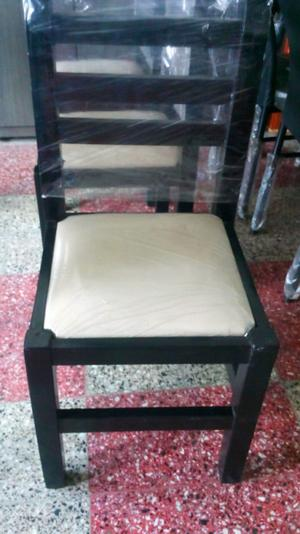 Juego de cemedor mesa +3 sillas + banco