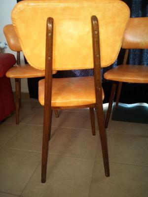 Mesa y 4 sillas de cedro