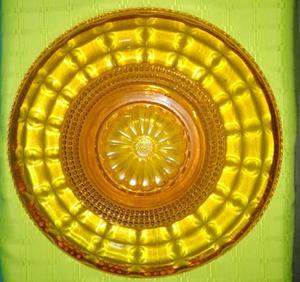 Antiguo Fuente Posa Torta De Vidrio. Muy Lindo. Color Ambar