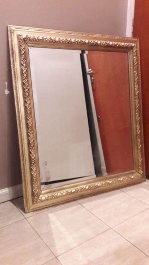 Hermoso espejo biselado en muy buen estado 82x92cm
