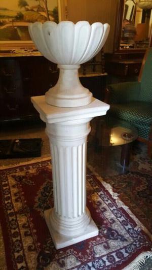 Hermoso pedestal con macetero muy lindo en perfecto estado