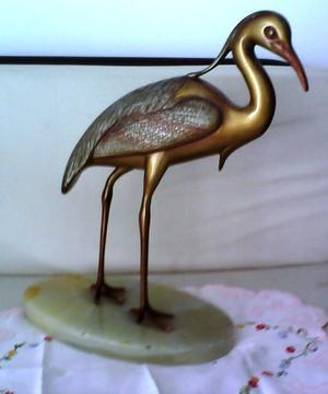 escultura de ave antigua en bronce macizo y marmol