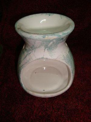 hornillo de ceramica blanco con trazos verdes. nuevo