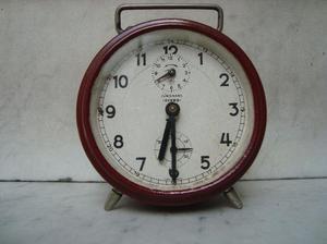 reloj despertador a cuerda junghans funcionando