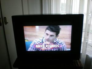 VENDO TV PHILIPS 21PULG. PANTALLA PLANA SUPER SLIM