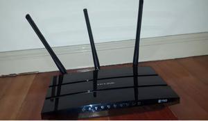 Vendo Router Wifi Tp link N750 con transformador, como nuevo