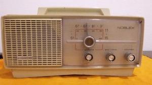 Antigua radio noblex
