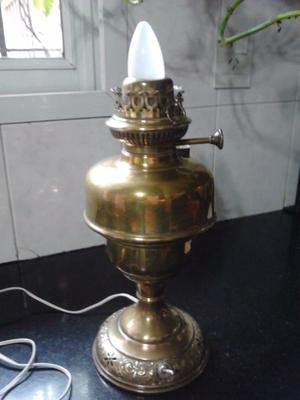 VENDO ANTIGUA LAMPARA TODA DE BRONCE, CON INSTALACIÓN