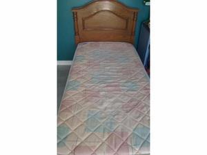 Vendo cama de plaza y media con colchón