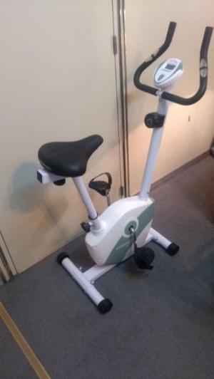 vendo bicicleta fija nueva ideal deporte o rehabilitación