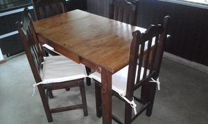 Mesa y 4 sillas de pino