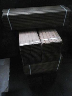 Piso de madera incienso x 8 mts cuadrado (8 atados)