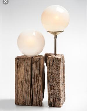 Lampara de mesa velador con madera y tulipas redondas