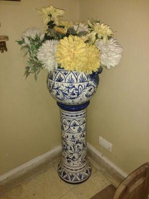 Florero de pié de cerámica esmaltada