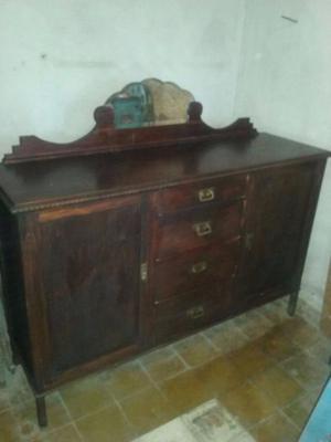 vendo aparador antiguo de madera